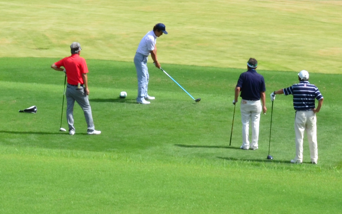 ゴルフ懇親会